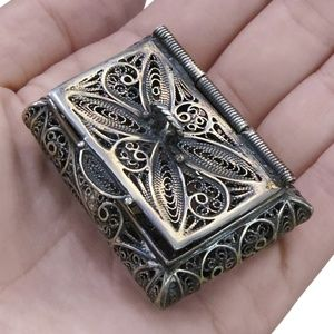 Jewelry - Vintage St. Silver Filigree Chest
